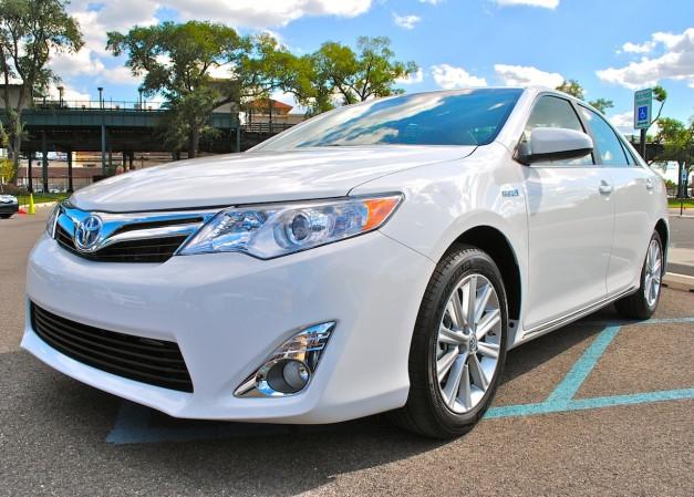 Toyota Camray 2012